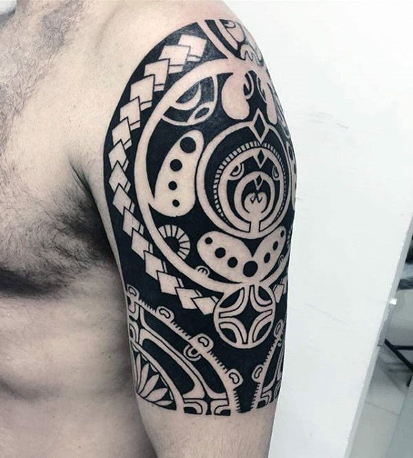 b47b45b8e A Tonga tattoo is very similar to a Samoan tattoo. These tattoo art designs  were meant to represent one's life journey, including information about  their ...