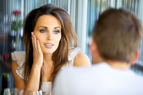 Does He Like Me ? Here's How to Know if a Guy Likes You