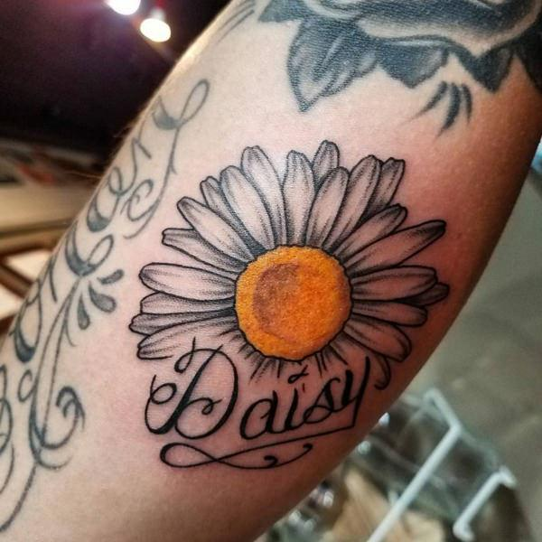 Pretty Daisy Tattoo: Beautiful Flower Tattoos That You Will Fall In Love With