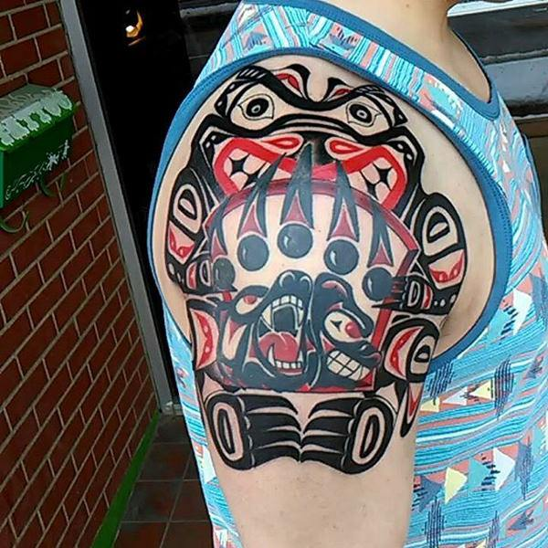 0d5650c842e ... the Hawaiian tribal tattoos- the traditional black and white ink  incorporates the traditional style of the Polynesian tattoos with some  modern elements.