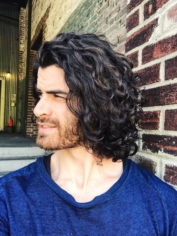 Curly Hairstyles Of Stylish Guysbest Place To Be For The Curlers