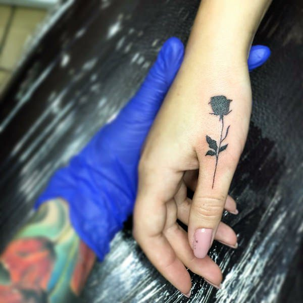 1e419f444b271 119 Amazing Finger Tattoos Designs That You Would Want To Have